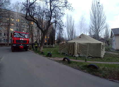 На Харьковщине спасатели обустроили 16 пунктов приема больных COVID-19