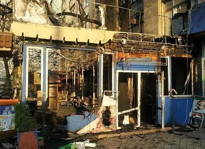 Ночной пожар: кафе тушили пять подразделений спасателей (ФОТО)