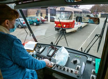 Маски для водителей и пассажиров. Что изменилось в работе общественного транспорта во время эпидемии коронавируса в Харькове (ФОТО)