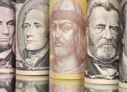 Валютный рынок четверга: почему спекулянты тянут доллар вверх