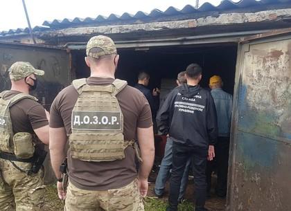 Склад российских сигарет нашли в гараже под Харьковом (ФОТО)