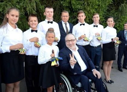 Геннадий Кернес поздравил детей с их праздником (ФОТО)