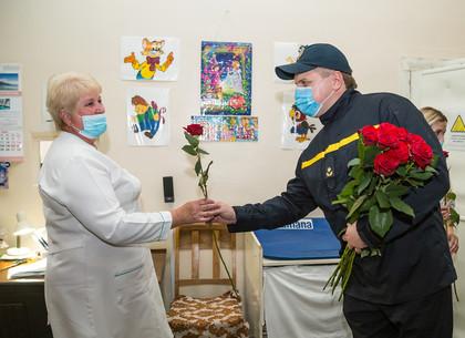 В Харькове состоялся флешмоб благодарности медикам (ФОТО)