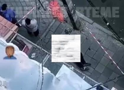 На улице имени Маршала Бажанова 18-летний парень выпрыгнул из окна дома