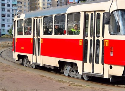В Харькове суд объявил приговор хулигану, который в час остановил трамваи