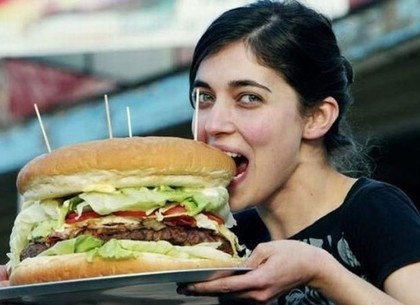 День рождения гамбургера: события 27 июля