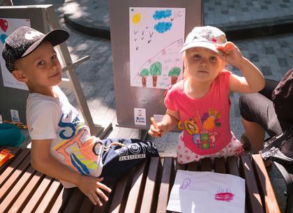 В саду Шевченко дети рисовали любимые уголки Харькова (ФОТО)