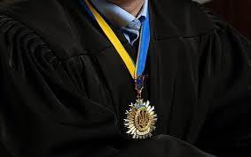 Желающих стать юристами в 63 раза больше будущих математиков