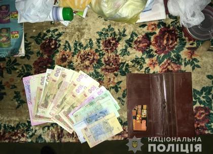 Родственница избила бабушку и забрала деньги: копы поймали грабительницу (ГУНП)