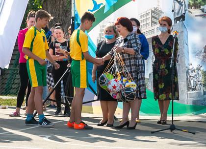 ФОТО: В Индустриальном районе открыли новый школьный стадион (РЕДПОСТ)