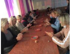 Салтовских библиотекарей научили лепить свистульки - национальное наследие Украины (ДО московского района)