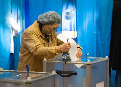 ФОТОРЕПОРТАЖ: Выборы в Харькове (РЕДПОСТ)