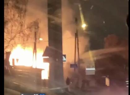 ВИДЕО: в Золотом переулке пылает дом (Telegram)