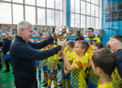 Игорь Терехов наградил победителей соревнований по футзалу на Кубок городского совета (ФОТО)