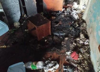 Спасатели потушили пожар в заброшенной пятиэтажке
