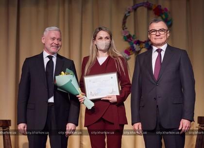 Игорь Терехов поздравил с 8 Марта сотрудниц «Турбоатома» (ФОТО)