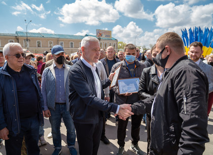 Ведущие предприятия Харькова представили на площади Свободы свои достижения (ФОТО)