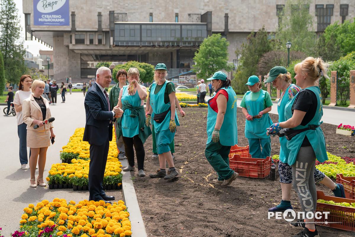 Игорь Терехов 17 мая посетил сад им. Шевченко и провел встречу с работниками СКП «Харьковзеленстрой»