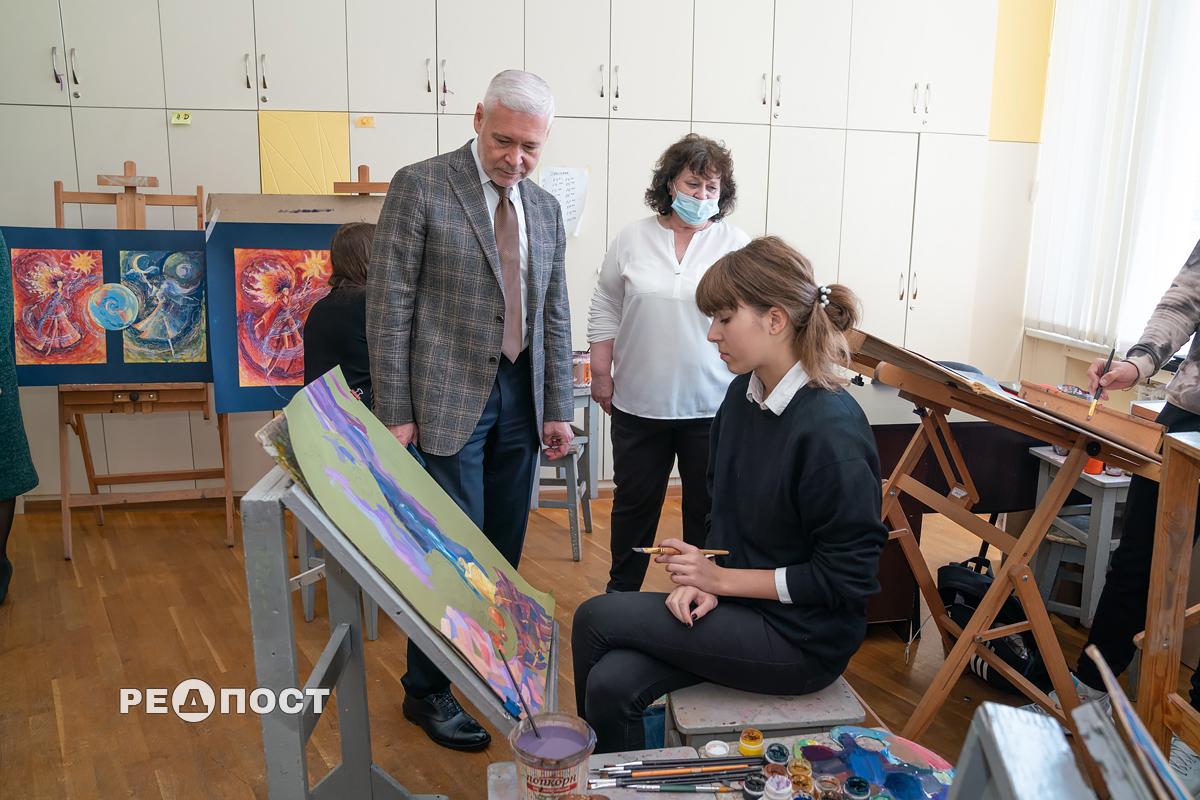 Игорь Терехов побывал в харьковской художественной школе имени Репина