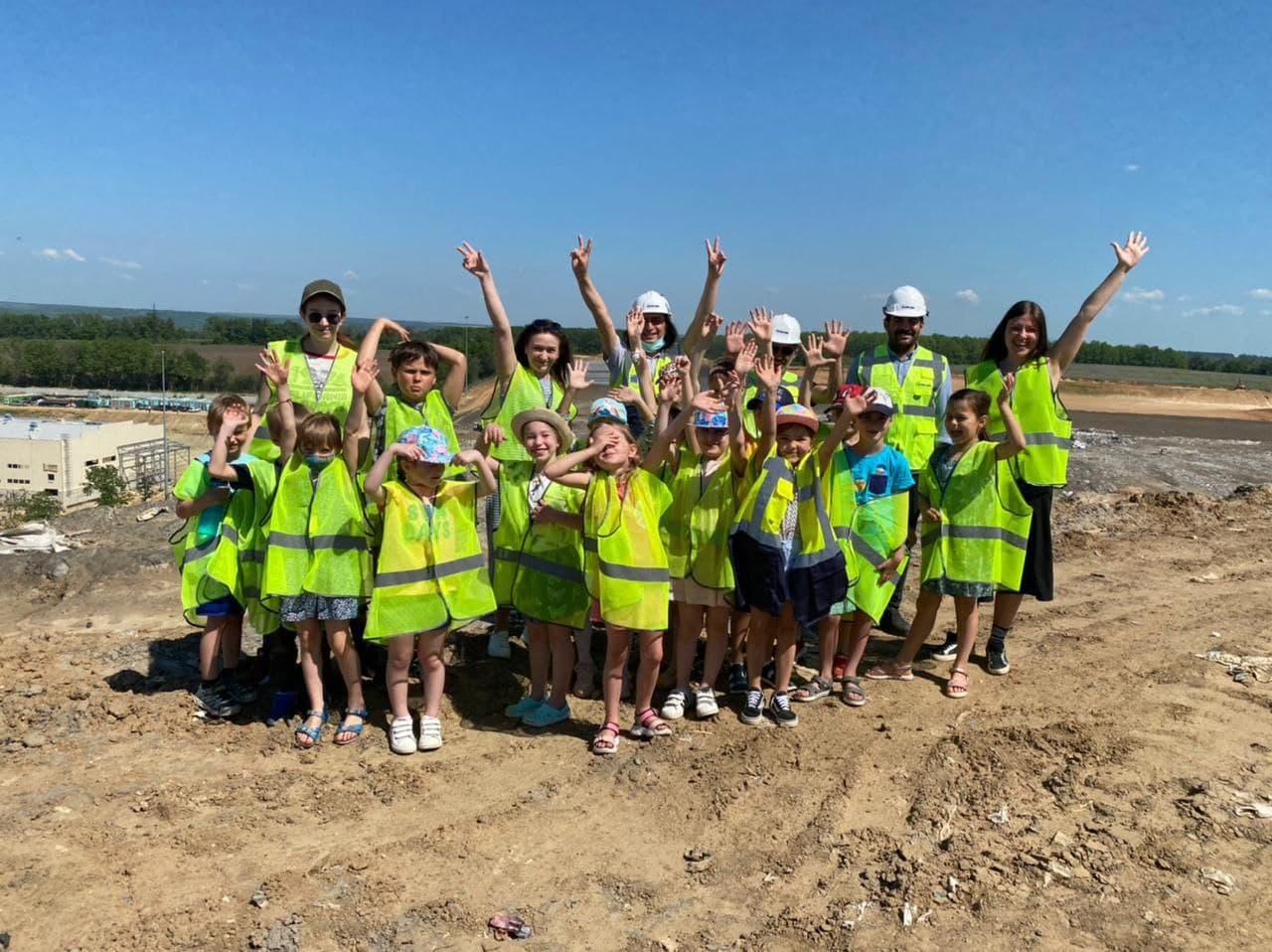 Юным харьковчанам организовали экскурсию на мусороперерабатывающий комплекс. Новости Харькова