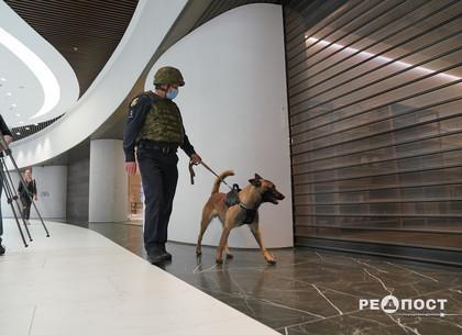 В харьковском торговом центре искали бомбу и тушили пожар (ФОТО)