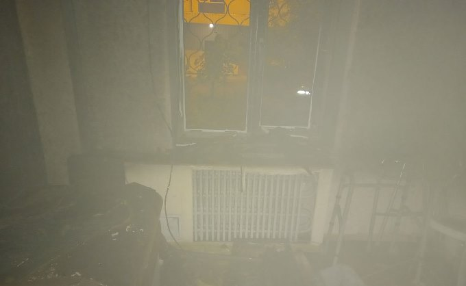 В Харькове горела квартира на первом этаже пятиэтажки