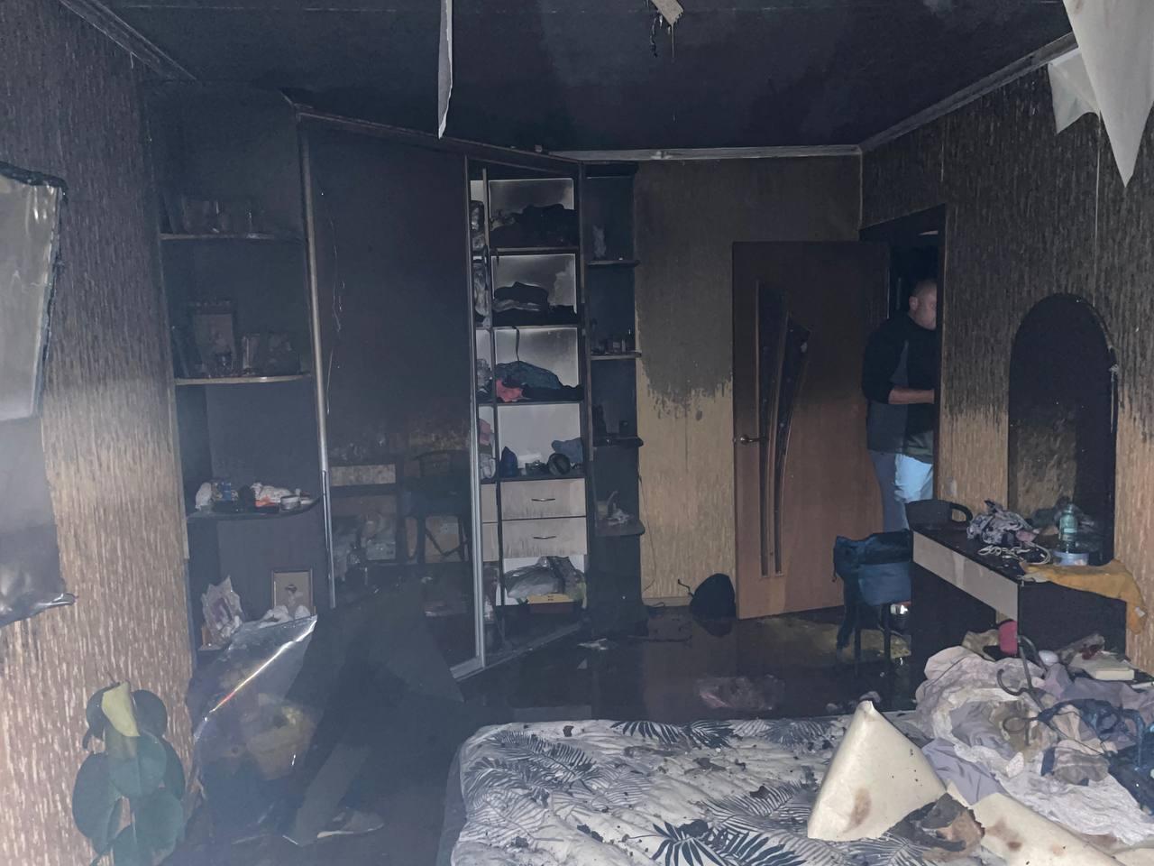 В харьковской пятиэтажке горели несколько этажей
