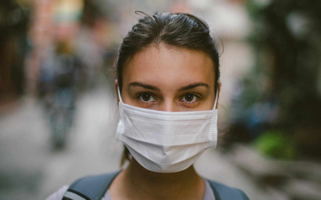 В Харькове снова требуют носить защитные маски
