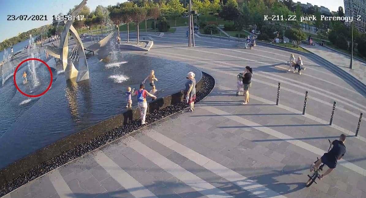Купание в фонтане закончилось смертью четырехлетнего ребенка