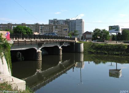 Беззаконные наливайки, опасная вода, кривой мост и подкидыши: чем жил Харьков 140 лет назад