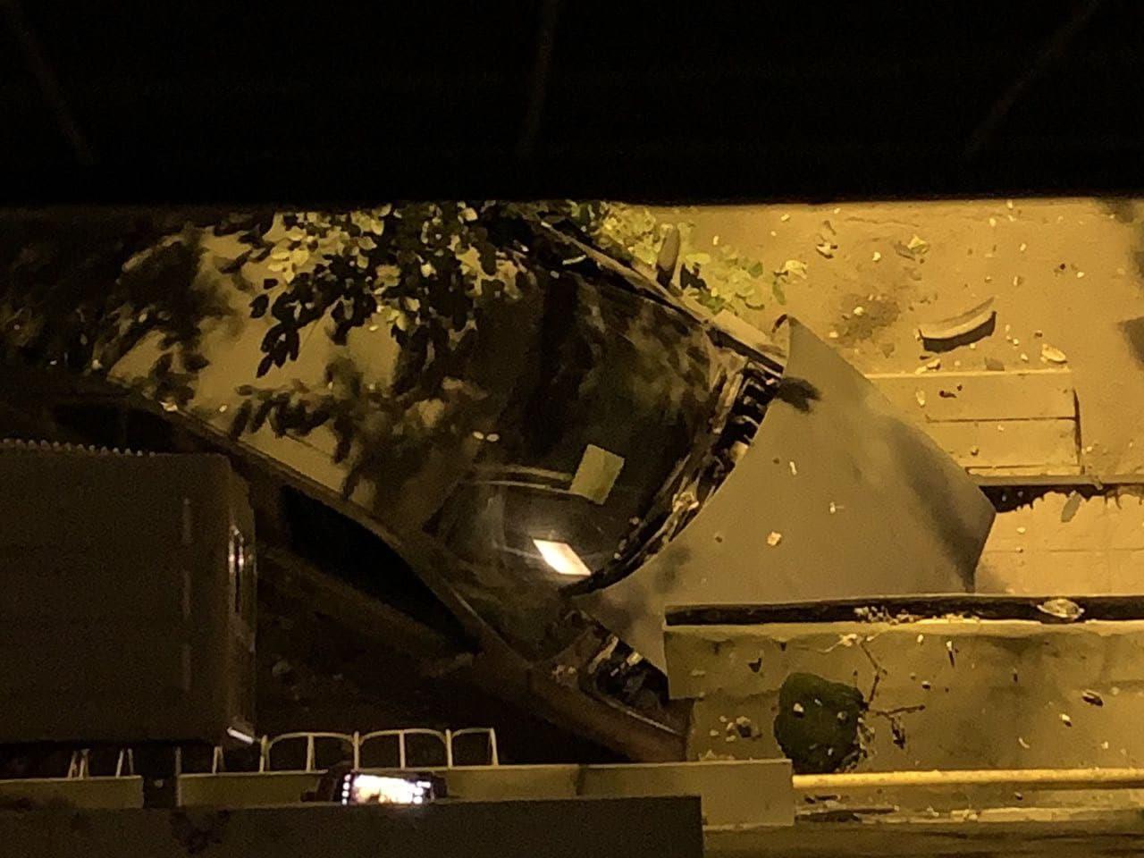 ДТП Харьков: BMW врезался в жилую пятиэтажку на Новых Домах