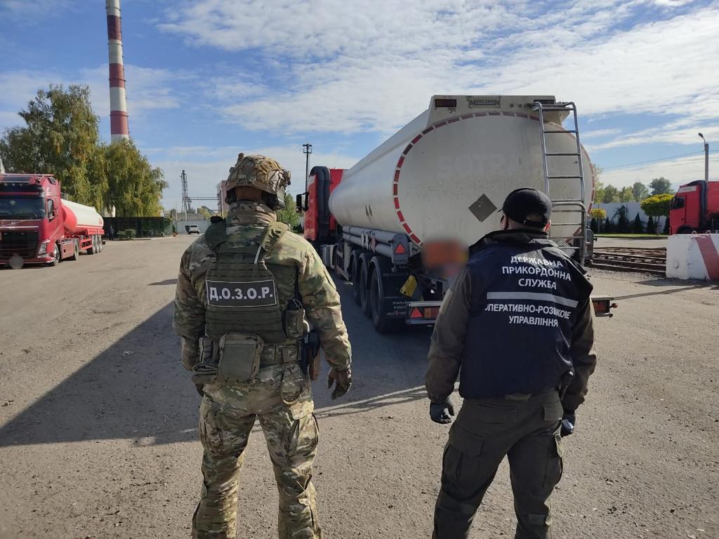 На Харьковщине выявили 160 тысяч литров спирта